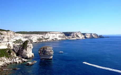Francie - Korsika autobusem na 8 dnů, snídaně v ceně