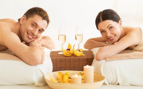 Královská bylinná masáž pro 2 se sektem