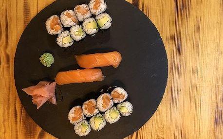 Sushi sety v Duha Sushi Restaurantu nedaleko Karlova náměstí