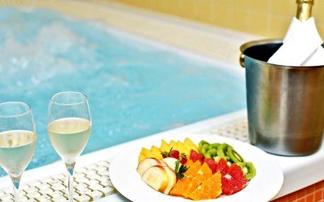 Relaxace v privátním wellness i s láhví vína