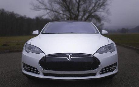 Jízda v elektromobilu Tesla S