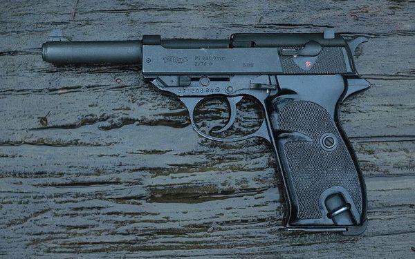 Mix zbraní II. světové války pro 1 osobu (4 zbraně, 40 nábojů)5