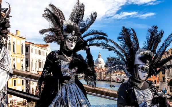 Kouzelný karneval v Benátkách plný zážitků   1 osoba   3 dny (0 nocí)   Pá 14. 2. – Ne 16. 2. 20203