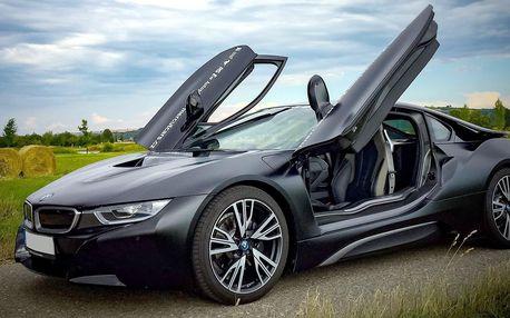 Jízda budoucnosti v BMW i8 Frozen Black Edition