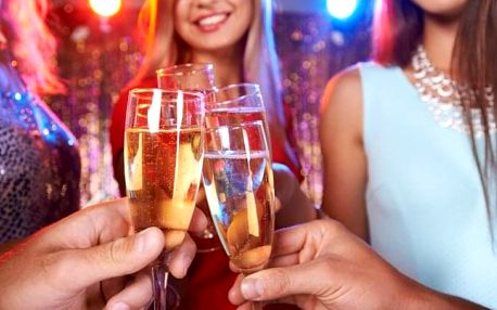 Vysoké Tatry: Silvestr v Hotelu Rysy *** s polopenzí, wellness a programem