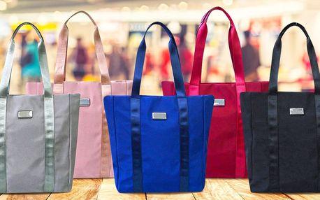 Prostorné dámské tašky se stříbrnými detaily