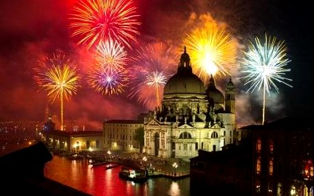 Zažijte SILVESTR v slavných Benátkách a městě lásky Verona. 4-denní zájezd s ubytováním