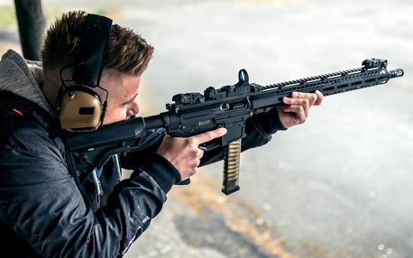 Zážitek pro rodinu: střelba z 9 zbraní