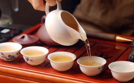 Posezení pro 2 u litru čaje a čínské sušenky
