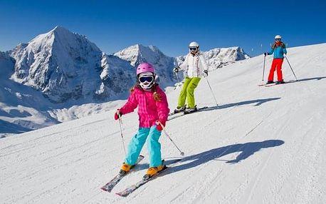 Rakouské Alpy u skiareálů v Hotelu Evianquelle *** s polopenzí a saunou