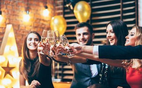 Znojmo: silvestrovský pobyt v Hotelu Bax *** s polopenzí, vínem a aquaparkem