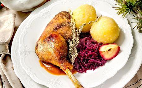 Svatomartinská husa až pro 6 osob ve Švejk restaurantu