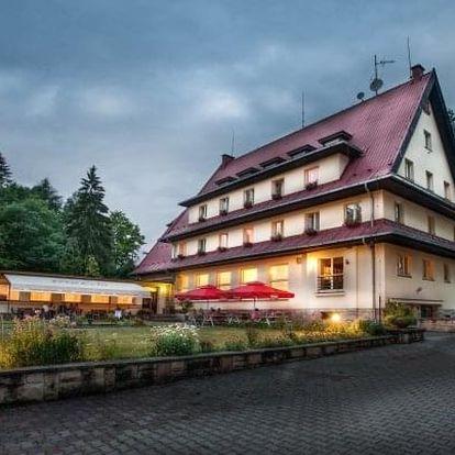 Český ráj v Parkhotelu Skalní město *** s neomezenou konzumací vína a polopenzí