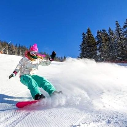 Krkonoše u skiareálů v Parkhotelu Harrachov *** s polopenzí a Harrachov Card
