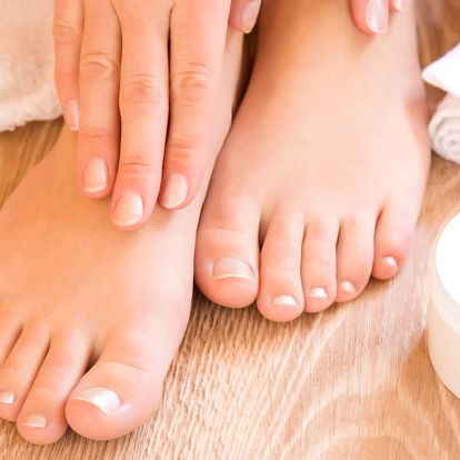 Mokrá pedikúra s možností gel laku i masáže