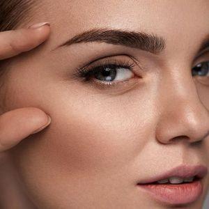 Permanentní make-up: oční linky nebo obočí