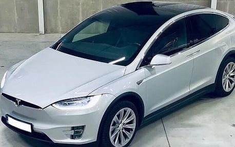 Jízda ve voze Tesla Model X