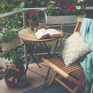 Levné posezení na balkon a terasu vašeho bytu