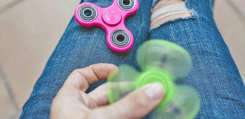 Fidget spinner: Zatočte se stresem